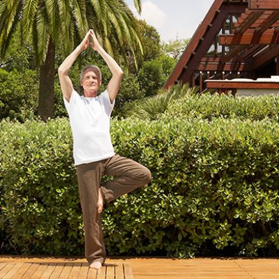 5-beginner-yoga-poses-for-seniors